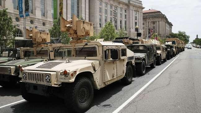 Em junho, autoridades também empregaram veículos blindados e helicópteros para controlar as manifestações