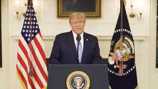 O presidente Trump se manifesta sobre invasão do Capitólio em vídeo publicado no Twitter