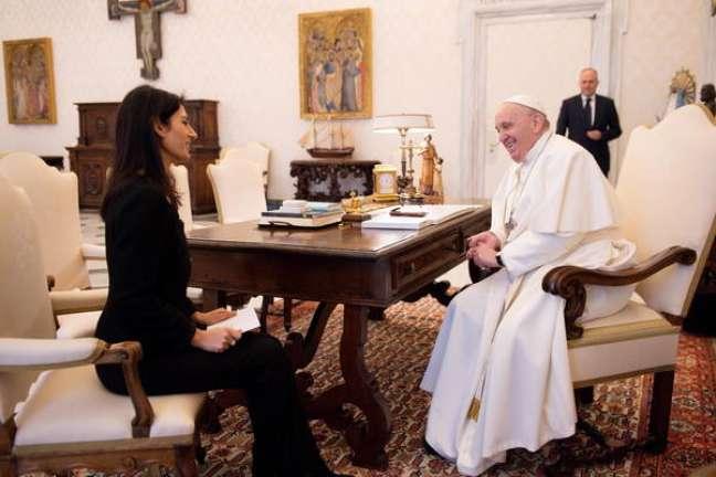 Papa Francisco e a prefeita de Roma, Virginia Raggi