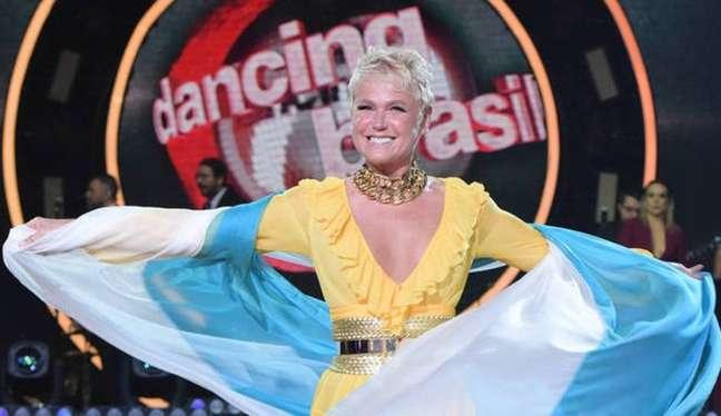 Xuxa à frente da apresentação do 'Dancing Brasil'.