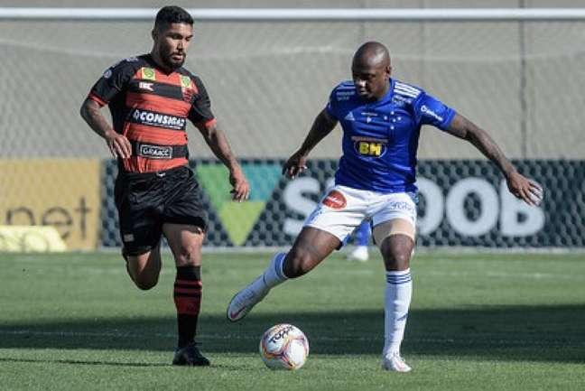 No turno, a Raposa não conseguiu vazar a defesa dos paulistas e se complicou na Série B, ficando longe do acesso-(Bruno Haddad/Cruzeiro)