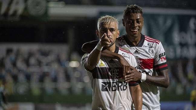 Arrascaeta abriu o placar para o Flamengo no Estádio da Serrinha (Foto: Alexandre Vidal / Flamengo)