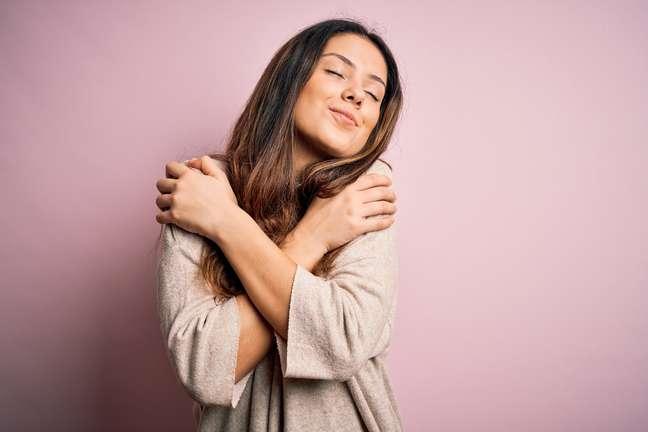 Amar a si mesmo é essencial porque lhe entrega o que você tem de mais potente para transformar a própria vida