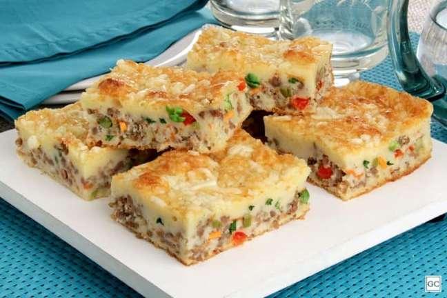 Guia da Cozinha - Torta de liquidificador sem lactose com carne moída e legumes