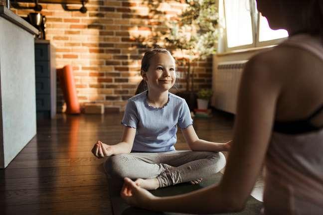 A meditação é uma prática que faz bem a todos, inclusive às crianças