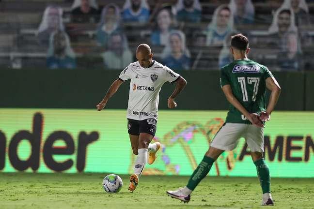 Tardelli voltou a jogar pelo Galo, mas não evitou derrota para o Goiás
