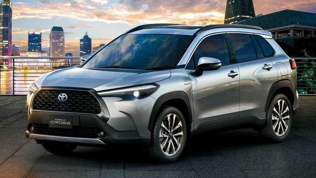 Toyota aposta fichas no Corolla Cross, SUV que compartilha plataforma e mecânica com o Corolla.