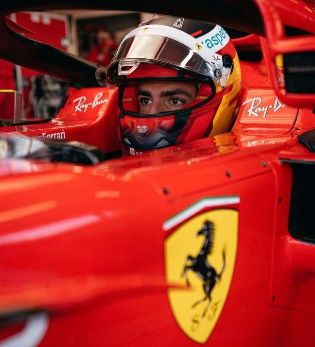 Sainz, nos primeiros testes de 2021, com a Ferrari.