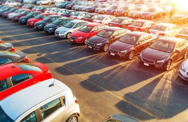 Para o cliente, a principal vantagem é conhecer a procedência dos carros usados, que são certificados pela própria Karvi.