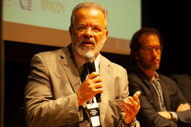 O ex ministro da Segurança Pública Raul Belens Jungmann Pinto durante o evento em São Paulo