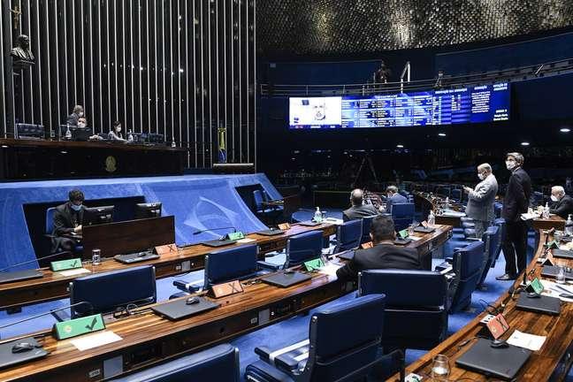 Plenário do Senado na terça-feira: votação da PEC emergencial, prevista para quinta, deve ser adiada.