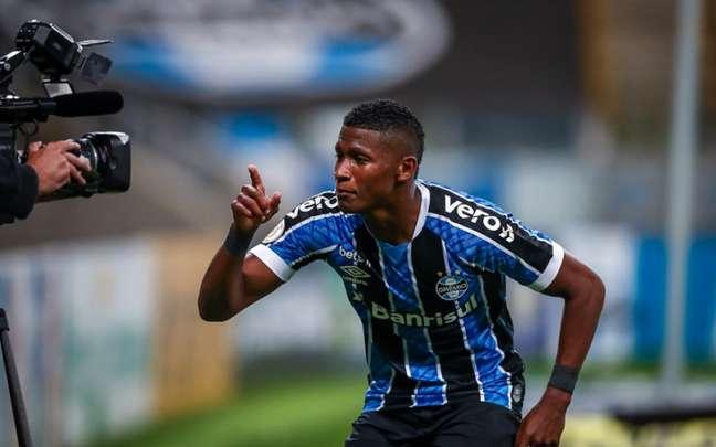 Orejuela acertou com o São Paulo até março de 2024 (Foto: Lucas Uebel/Grêmio)