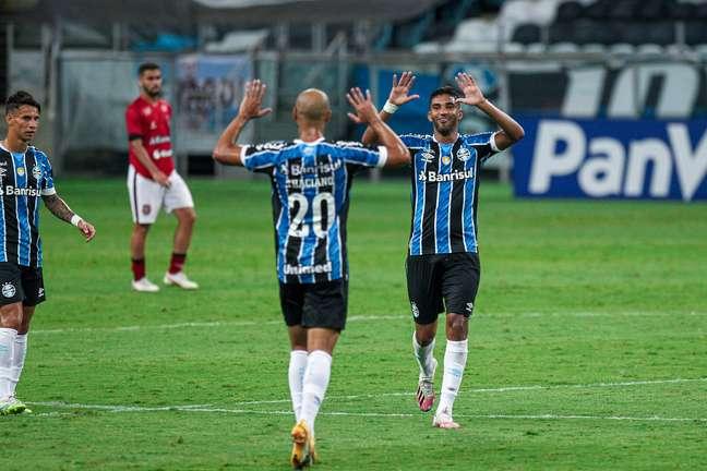 Grêmio é o 20º no Brasileiro e seu maior rival, o Inter, ocupa o 14º lugar.