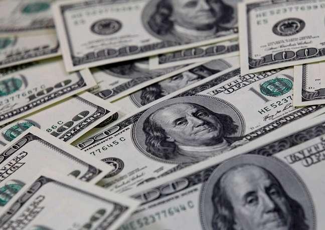 Dólar vai a R$5,84 após decisão de Fachin sobre Lula 07/02/2011 REUTERS/Lee Jae-Won
