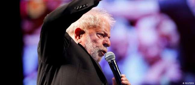 Um sorteio entre as duas varas especializadas em lavagem de dinheiro sediadas em Brasília irá definir o novo juiz que receberá as ações da Lava Jato contra Lula