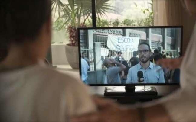 Leo Rosa em cena de 'Amor de Mãe': participação afetiva o deixou animado para voltar definitivamente à TV