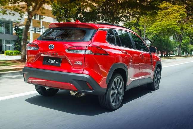 Corolla Cross Hybrid é oferecido em duas versões topo de linhae na série de lançamento.