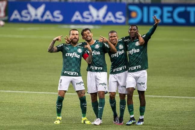 Palmeiras tropeçou em duas finais seguidas e acabou alvo de torcedores rivais