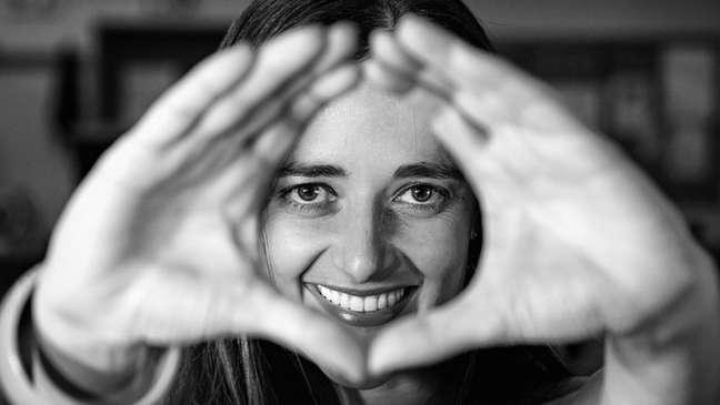 Usar as mãos para enfatizar a fala faz parte da maneira como nos comunicamos