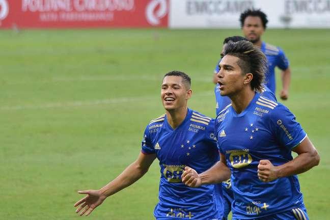 Cruzeiro vence o Athletic por 1 a 0 no Campeonato Mineiro