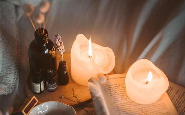 Confira como fazer velas aromáticas caseiras -