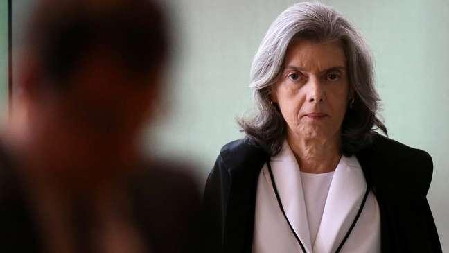 Ministra Cármen Lúcia teve voto decisivo, mudando sua posição contrária ao recurso de Lula
