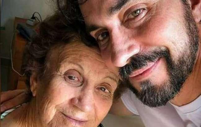 Padre Fábio de Melo e a mãe, Ana Maria, que está na UTI com covid-19