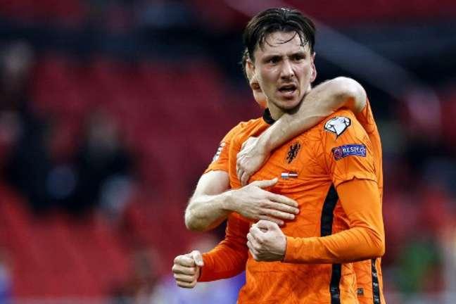 Berghuis marcou na vitória da Holanda (Foto: MAURICE VAN STEEN / ANP / AFP)