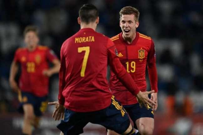 Dani Olmo marcou o gol da vitória (Foto: KIRILL KUDRYAVTSEV / AFP)
