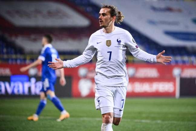 Griezmann chegou ao segundo gol nas Eliminatórias Europeias (Foto: FRANCK FIFE / AFP)