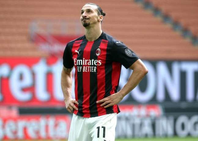 Ibrahimovic em disputa pelo Milan