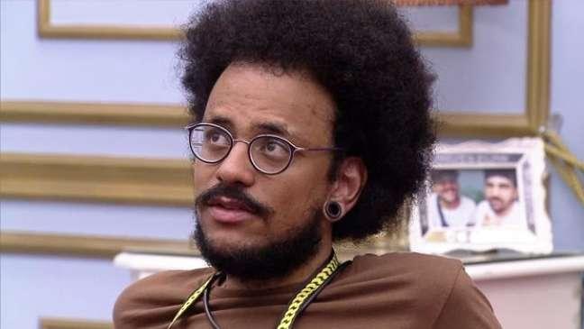 João foi às lágrimas ao se sentir discriminado por comentário sobre o cabelo black power