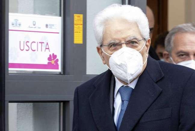 Sergio Mattarella foi vacinado no Instituto Lazzaro Spallanzani, em Roma