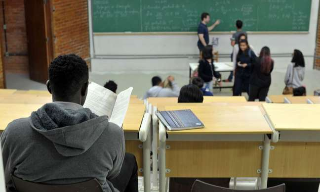 Professores da rede municipal de São Paulo suspenderam aulas em fevereiro