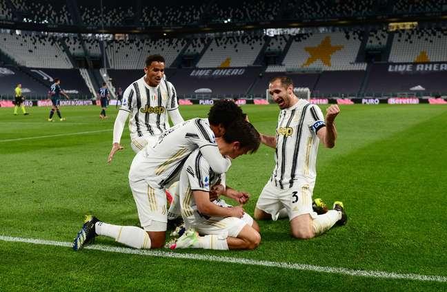 Juventus vence Napoli e entra no G4 do Campeonato Italiano