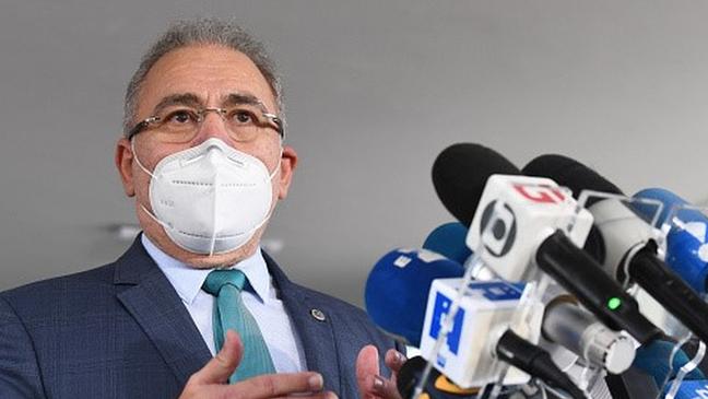 O ministro da saúde, Marcelo Queiroga, divulgou a informação de que 1,5 milhão de brasileiros não voltaram para receber a segunda dose da vacina numa conversa com jornalistas
