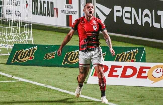 André Luis estreia embalado na Sul-Americana após gol e assistência pelo Dragão (Foto: Bruno Corsino/Atlético-GO)