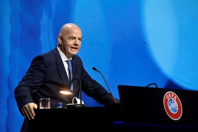 Presidente da Fifa, Gianni Infantino, discursa durante congresso da Uefa em Montreux, na Suíça 20/04/2021 Richard Juilliart/UEFA/Divulgação via REUTERS