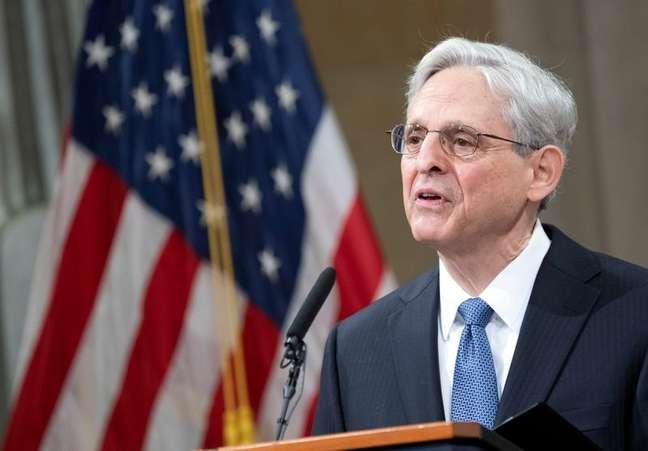 Procurador-geral dos EUA, Merrick Garland,  dirige-se à equipe em seu primeiro dia no Departamento de Justiça dos EUA em Washington, DC, 11/03/2021. Kevin Dietsch/Pool via REUTERS/Foto de arquivo