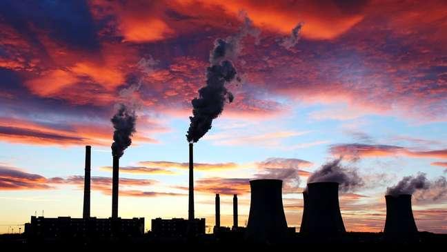 Usina de carvão; relatório projeta que Brasil, Estados Unidos, Canadá, Coréia do Sul e Austrália não devem alcançar metas ambientais, caso não adotem medidas ambientais extras