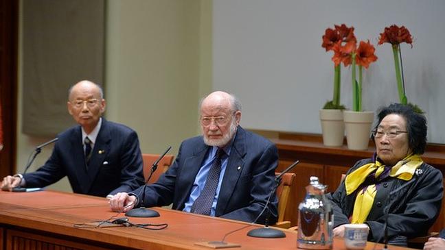 Da esquerda para a direita: Satoshi Õmura, William Campbell e Tu Youyou foram os vencedores do Prêmio Nobel de Medicina e Fisiologia em 2015