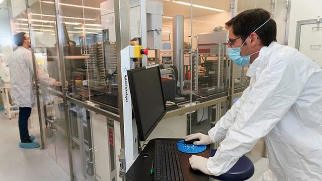 A estratégia de reposicionamento de drogas envolve programas de computador e experimentos em laboratórios