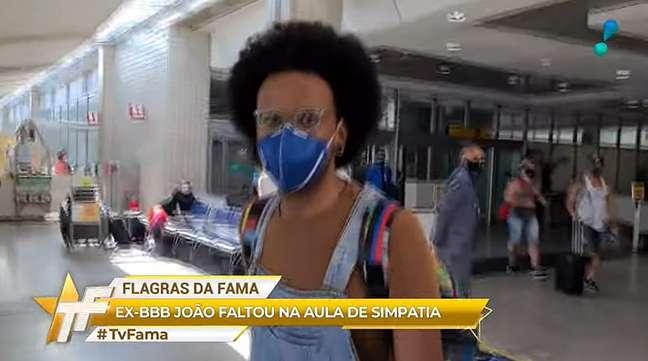 João Luiz desprezou a presença do repórter do 'TV Fama'