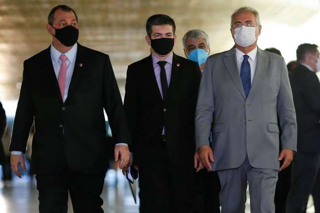 Senadores Omar Aziz, Randolfe Rodrigues e Renan Calheiros  27/04/2021 REUTERS/Adriano Machado