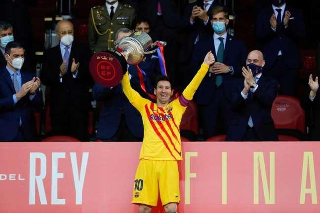 Messi conquistou a Copa do Rei com o Barcelona nesta temporada (Foto: HANDOUT / RFEF / AFP)