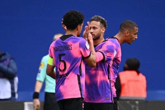 Neymar e Marquinhos marcaram os gols do PSG (Foto: Anne-Christine POUJOULAT / AFP)