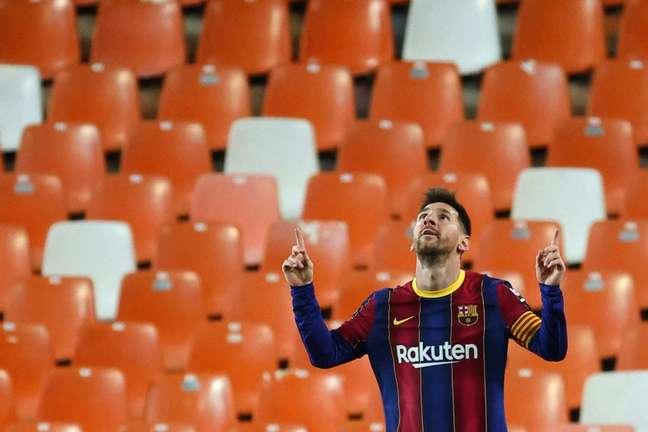 Messi recebeu jogadores do Barça em sua casa após grande vitória (Foto: JOSE JORDAN / AFP)