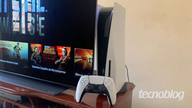 PS5, controle DualSense e TV LG CX