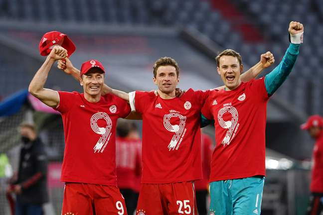 Bayern de Munique confirma 31º título com goleada de 6 gols