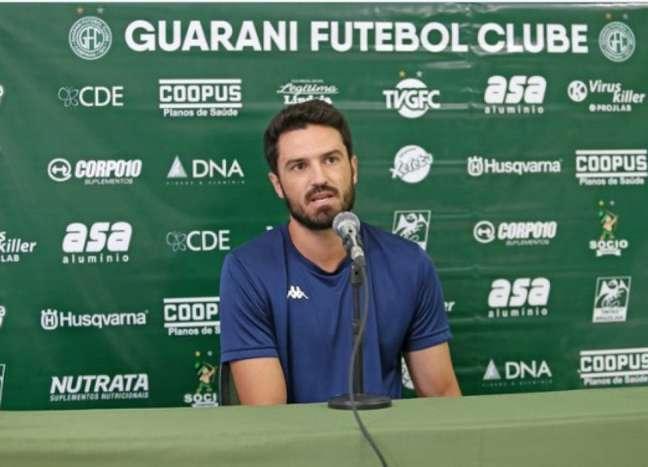 Zagueiro tinha sido expulso no clássico contra a Ponte Preta (Thomaz Marostegan/Guarani FC)